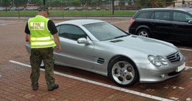Skradziony Mercedes SL 500 na granicy