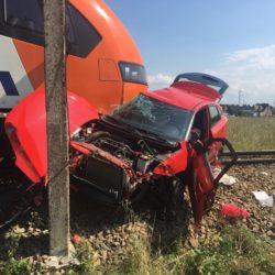 Tragedia na przejeździe kolejowym ! Nie żyje 18- letnia kursantka, zginęła podczas egzaminu na prawo jazdy