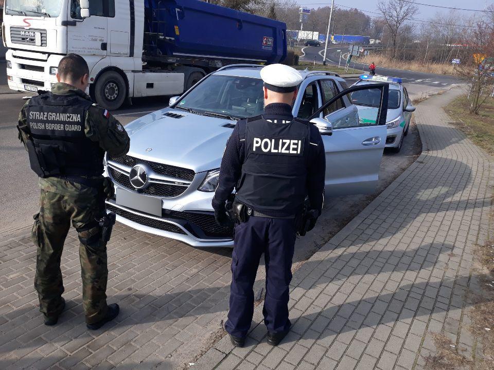 Mercedes wart 360 tys. zł odzyskany na granicy