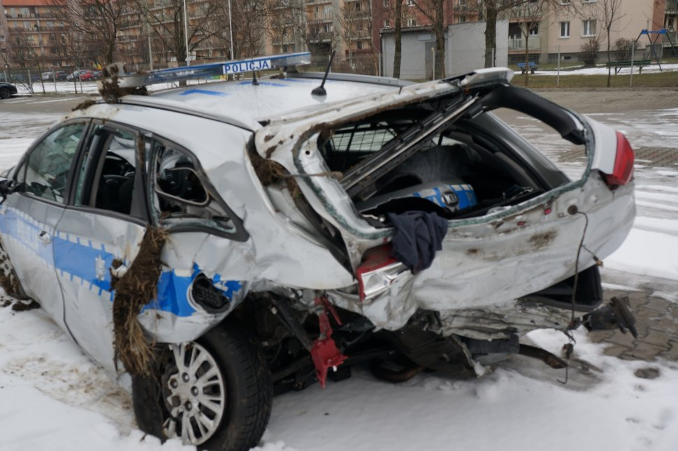 Policjanci poważnie ranni podczas wypadku