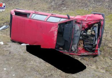 29-latek kierujący pojazdem uciekł z miejsca śmiertelnego wypadku ! Nie żyje 33-letni pasażer.