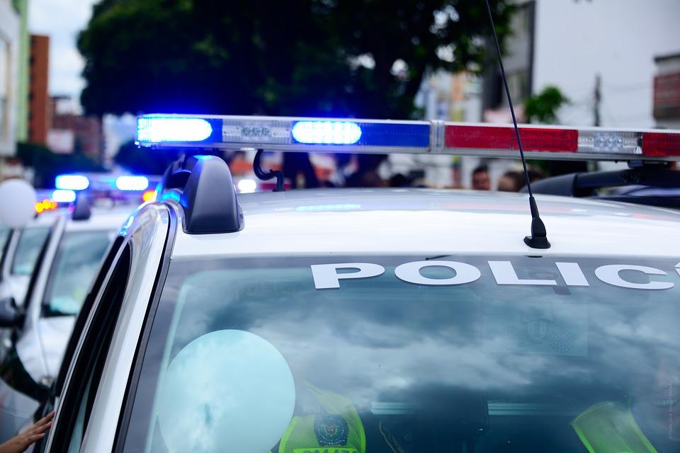 Po alkoholu z dożywotnim zakazem i fałszywym prawem jazdy przyjechał na komendę sprawdzić… stan trzeźwości