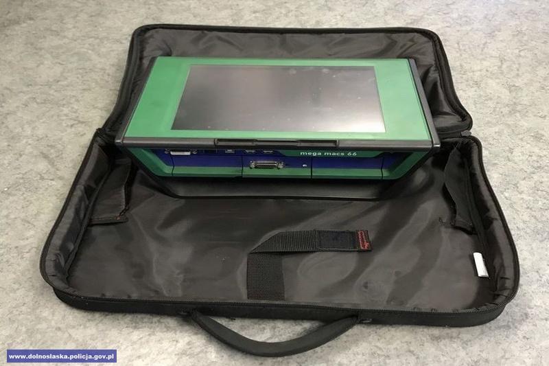 Myślał, że ukradł laptopa, a to było urządzenie diagnostyczne o wartości 25 tys. zł