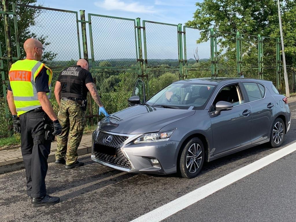 Kolejny skradziony pojazd nie wjechał do Polski! Tym razem Lexus o szacunkowej wartości 120000 zł.