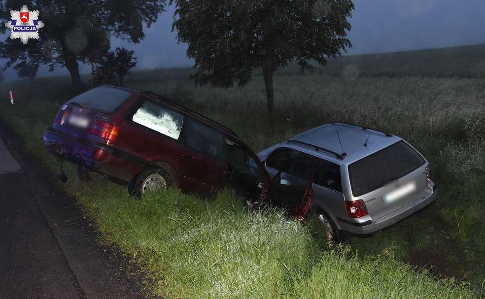 Staranował i zepchnął do rowu samochód ze swoją byłą dziewczyną i jej znajomym. 23-latek usłyszał już zarzuty