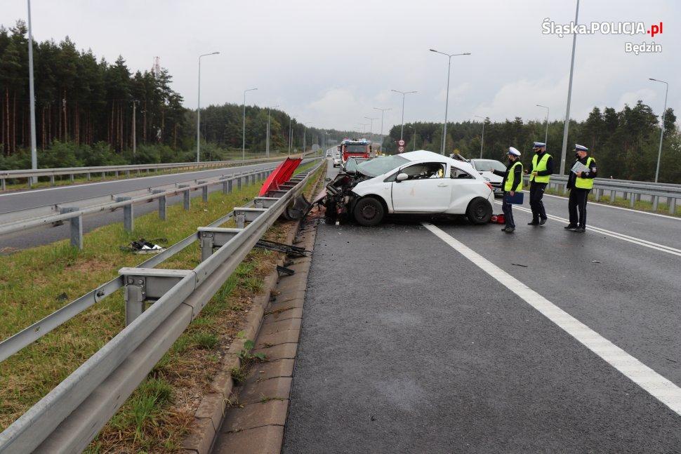 Trzy śmiertelne ofiary w wypadku na S1
