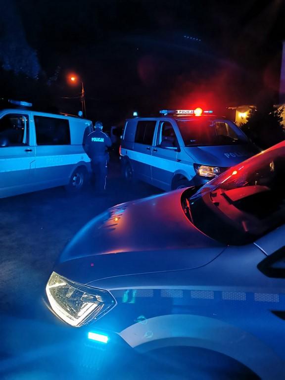 AKTUALIZACJA - POLICJANCI ZAKOŃCZYLI POSZUKIWANIA ZAGINIONEGO 3-LATKA
