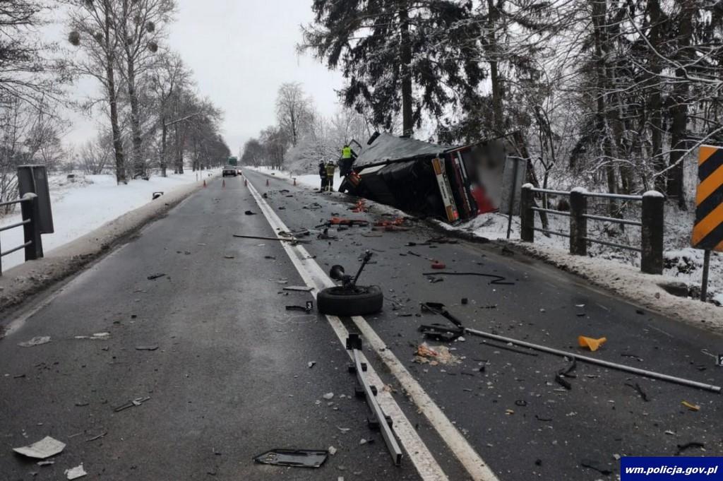 Śmiertelny w skutkach wypadek drogowy. Zmarł 24-letni kierowca