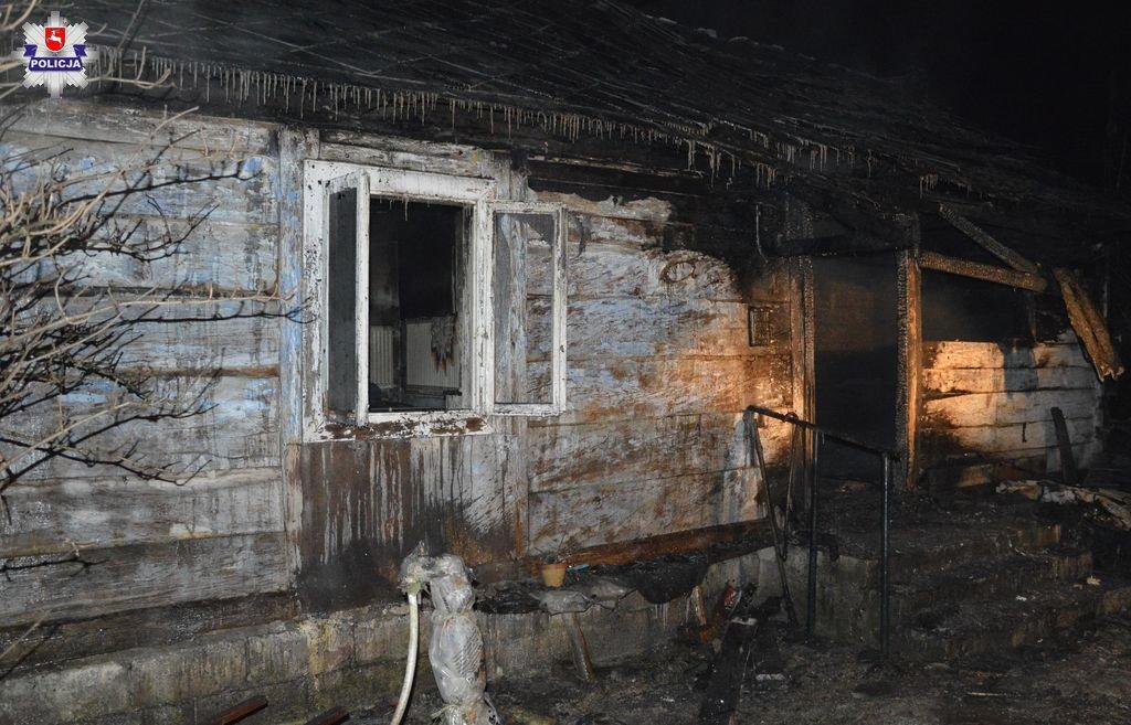 Tragiczny pożar drewnianego domu