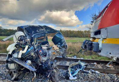 Śmiertelny wypadek na niestrzeżonym przejeździe kolejowym! Nie żyje 31-letni kierowca