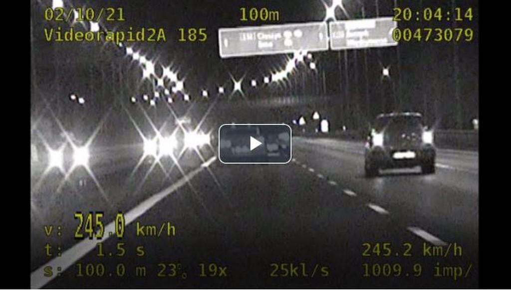 Rekordzista zatrzymany do kontroli! Pędził nissanem ponad 240km/h [FILM]